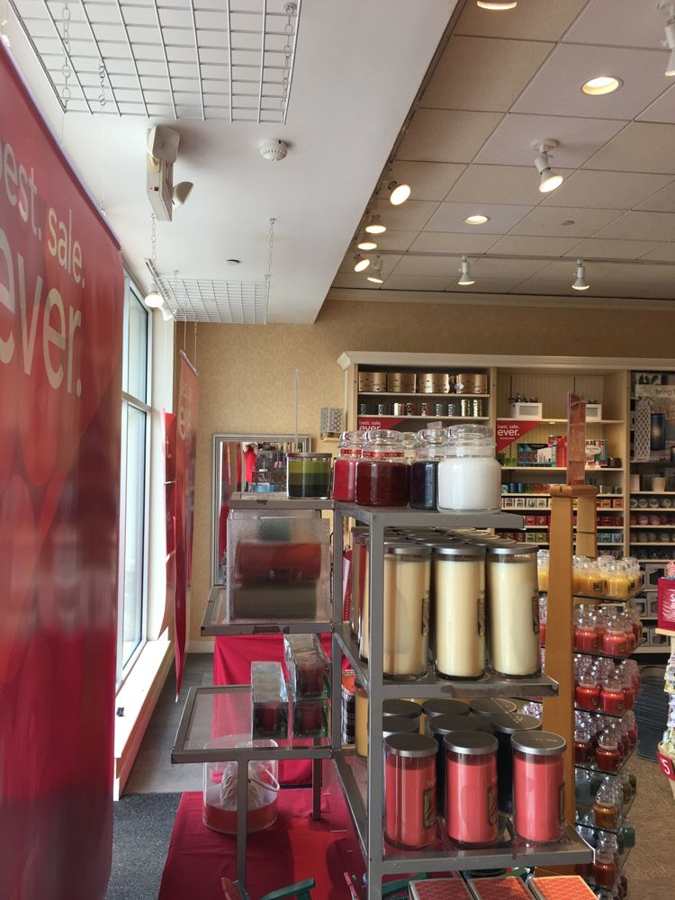 A Yankee Candle store New England Painting & Wallpapering ...