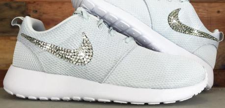 2015 Rhinestones Shoes Blinged Nike Roshe Run Glitter Kicks Running Shoes  Swarovski Crystal All White 8ed729c51a95