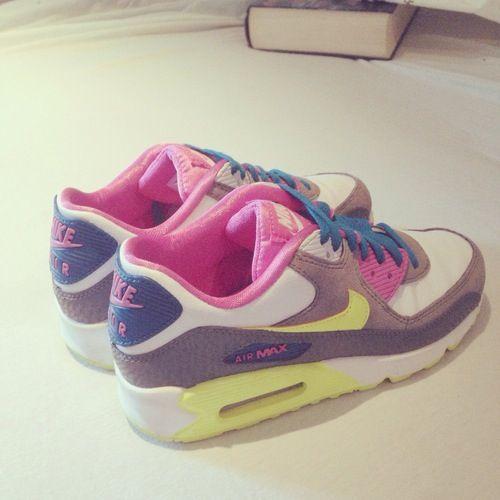 new product aeb59 e3e19 Colour MAX (Women Nike AirMax) · Nike Para MujerAtuendoZapatillasZapatos
