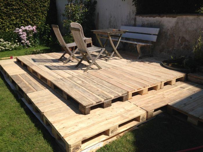 Holzterrasse aus Paletten selber bauen So geht es! Thies