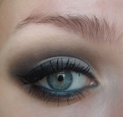 a beautiful eye color and well blended blending makes all