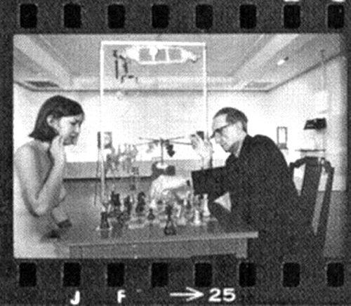 Eve Babitz And Marcel Duchamp Play Chess Marcel Duchamp Ajedrez Marcel