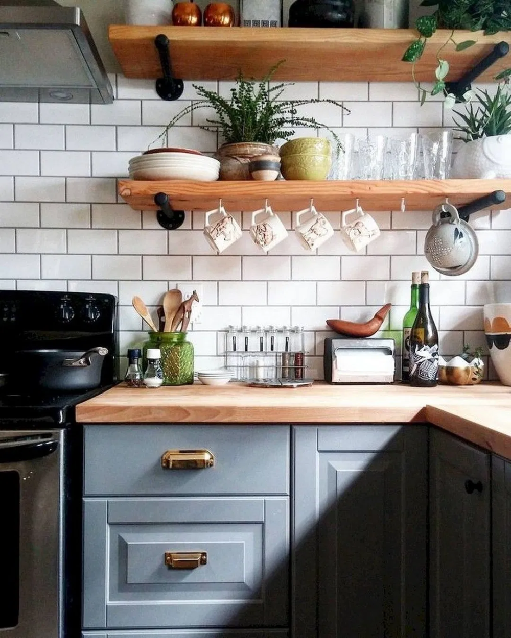 pin by sarah edwards on kitchen in 2020 kitchen cabinets and countertops country kitchen on farmhouse kitchen decor countertop id=66901