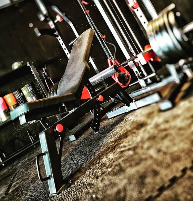 Pivot Fitness Xb6130 Commercial Heavy Duty Bench Kopen Helisports Is Het Adres Fitnessapparatuur Sportschool Fitness