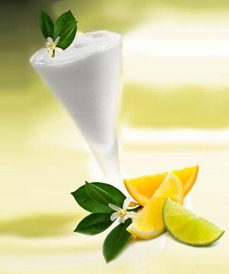 Ingredienti:  250 ml acqua 250 g zucchero Buccia di 1 limone 250 ml di succo di limone (3 limoni) 1 albume d'uovo (bianco)  montato a neve