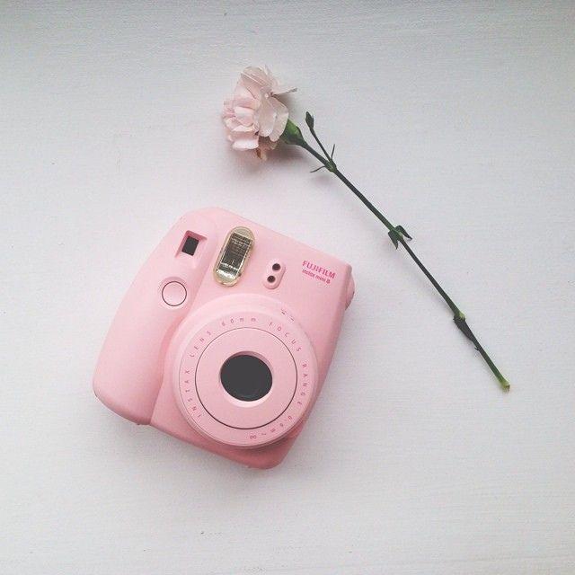 camera pink pinterest polaroid rose poudre et photo. Black Bedroom Furniture Sets. Home Design Ideas
