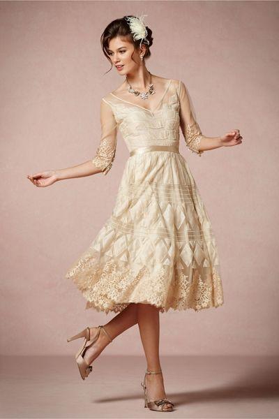 Vintage Hochzeitskleid: Zeitlos in Beige | Hochzeitskleid ...