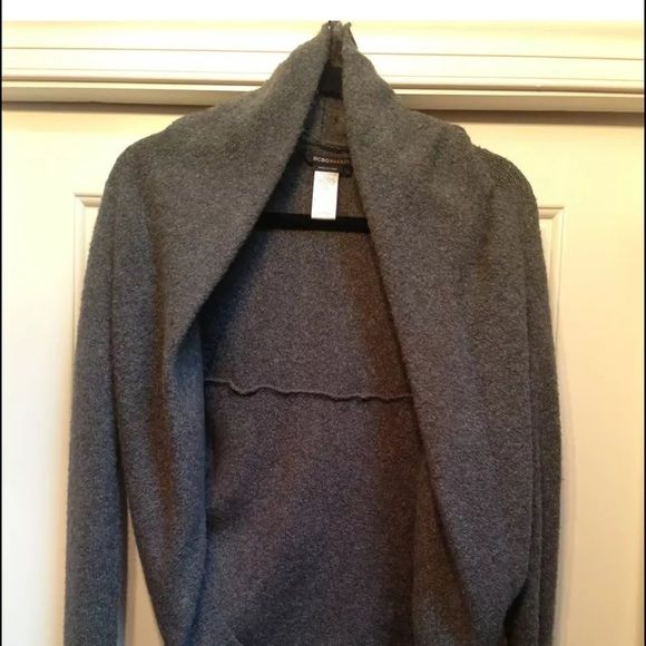 XS BCBG Maxazaria Grey Sweater Cardi EUC BCBG Maxazaria XS Cardi Sweater in Great condition perfect over tank, tee, blouse etc.. Super soft great style BCBGMaxAzria Sweaters Cardigans