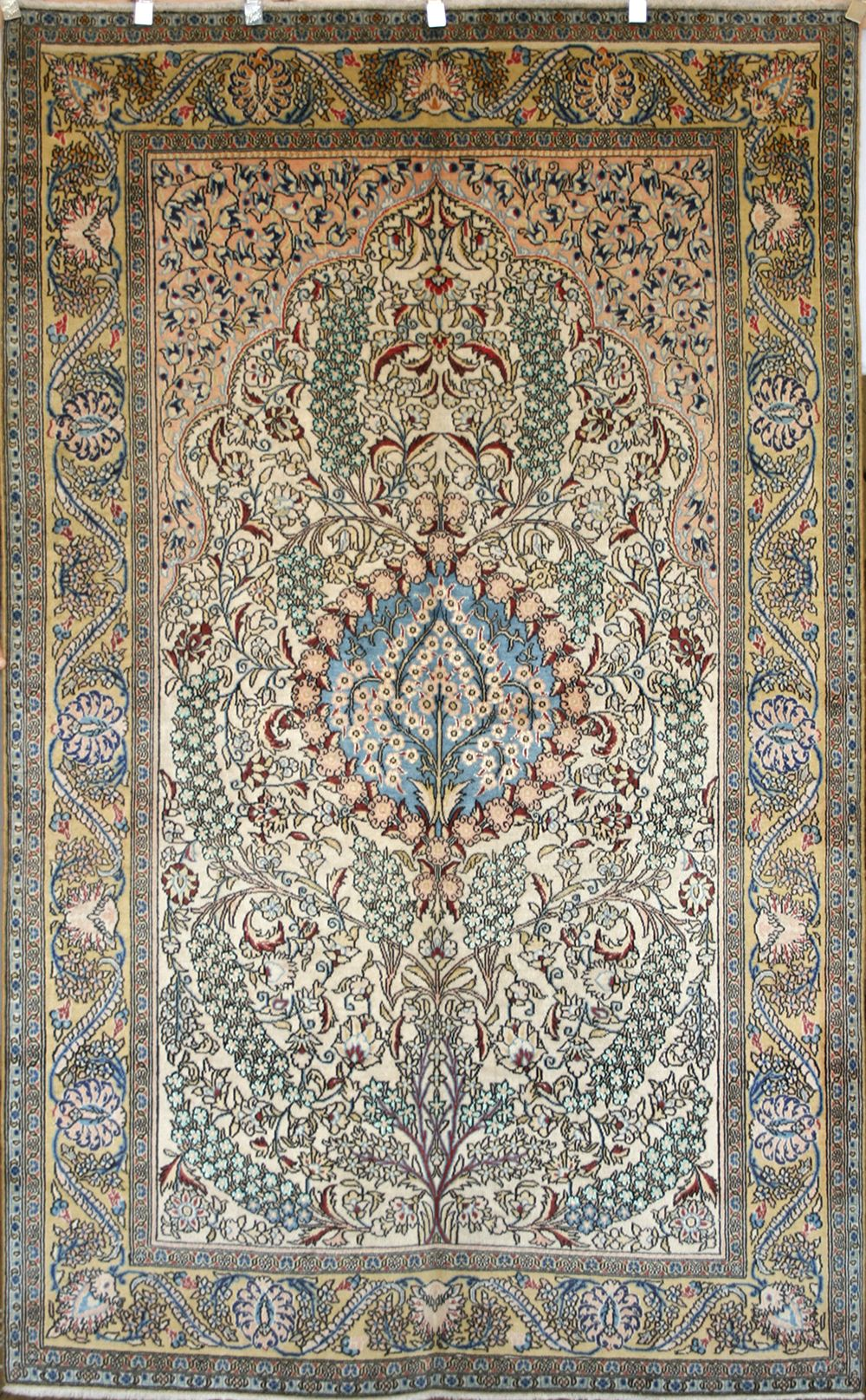 Persian Hand Knotted Shahreza Rug In