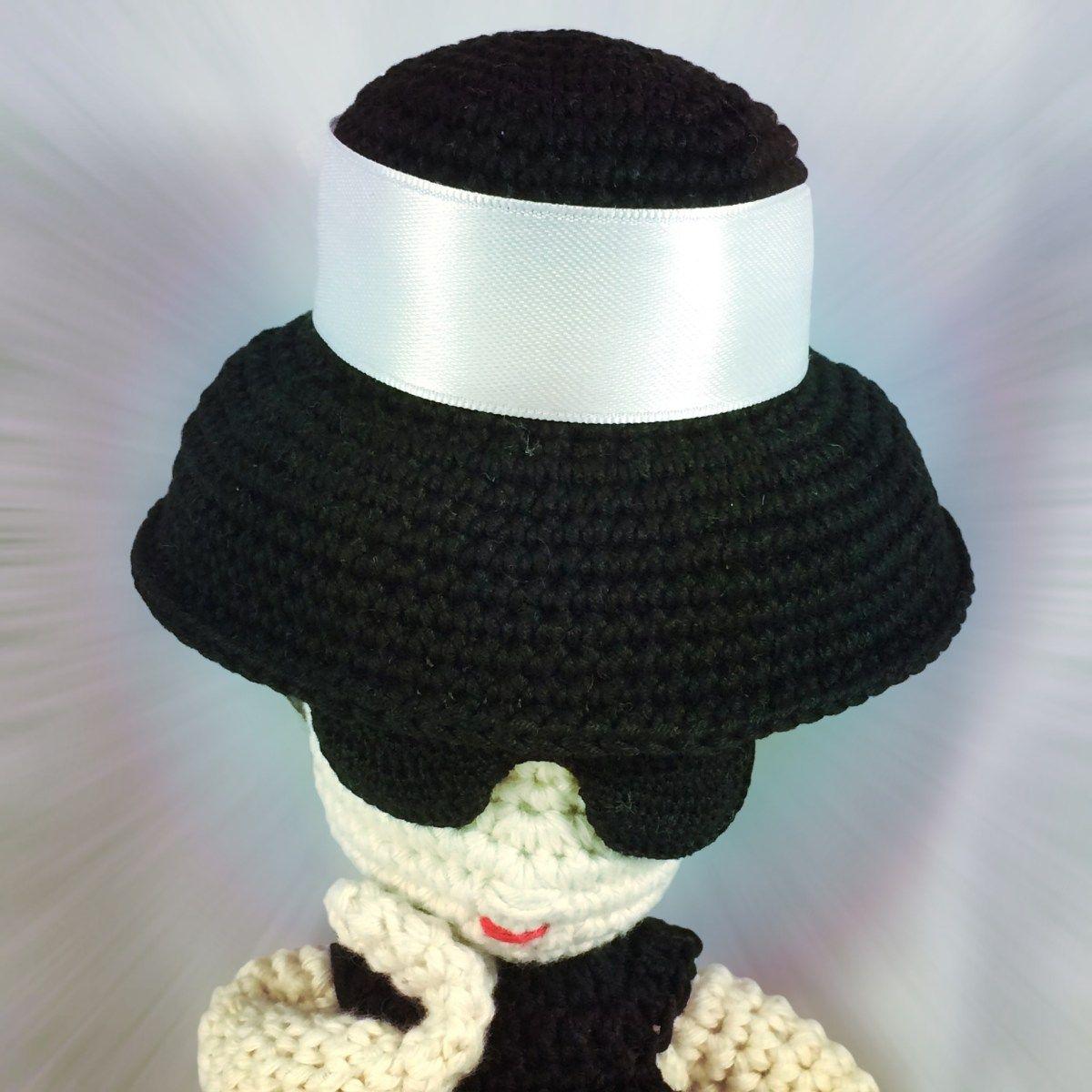 Freie Häkelanleitung: Audrey Hepburn Outfit für (Häkel-)Puppen ...