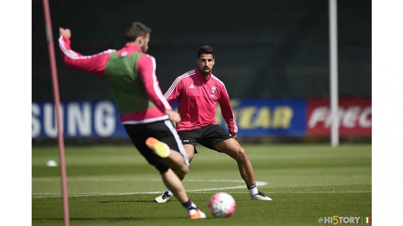 Vinovo, allenamento del 28 aprile - Juventus.com