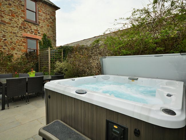 Scorsham Farm Bude Cornwall England Sleeps  Self Catering Holiday Cottage With Hot Tub