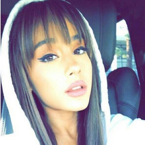 @loveforari she looks so pretty