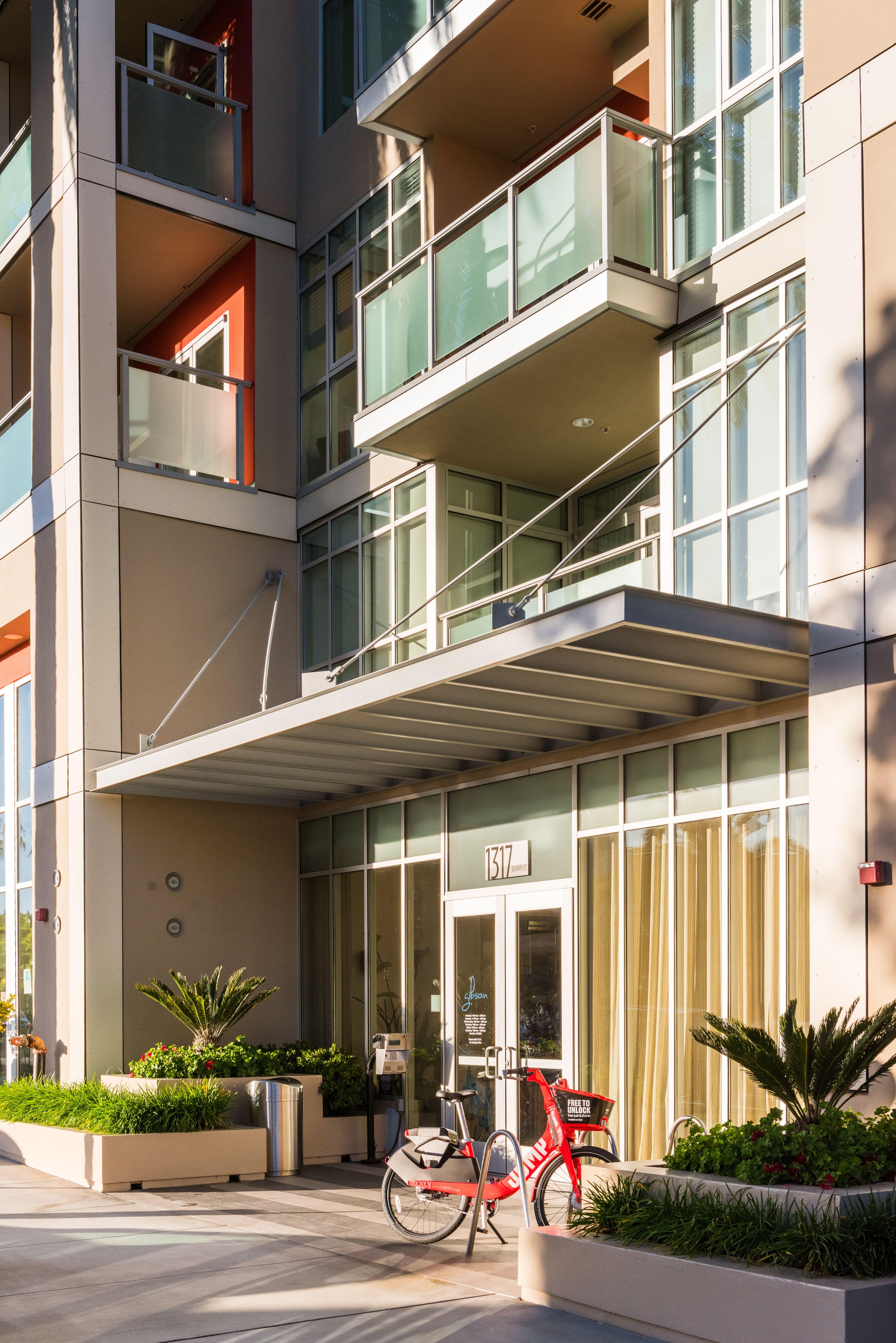 Gibson Santa Monica Apartment Homes Santa Monica Apartment Santa Monica House Styles