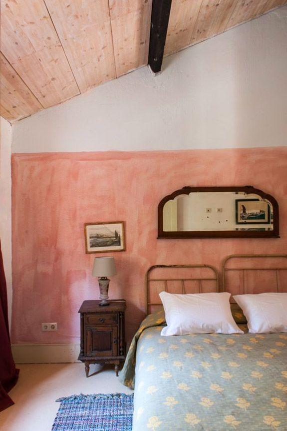 half pink walls inside Uva do Monte inn / sfgirlbybay bedroom