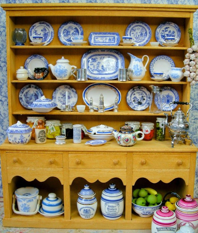 Kilmouski & Me - miniature china cabinet