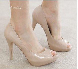 1f6e89063497f Aliexpress.com  Comprar Moda para mujer zapatos de tacón de charol mujeres  boca de los pescados bombas negro Beige mayor JM2349 12NF de bombas de  zapatos de ...