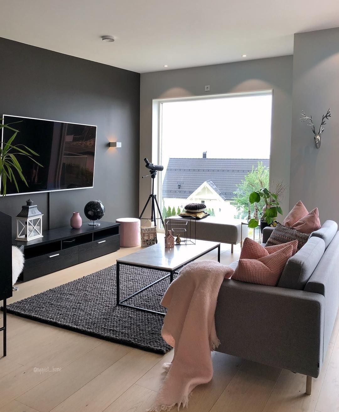 78 Models Very Snug And Practical Decoration Ideas For Small Living Room 6094 Smalllivin Classy Living Room Popular Living Room Colors Romantic Living Room Most popular familyroom ideas