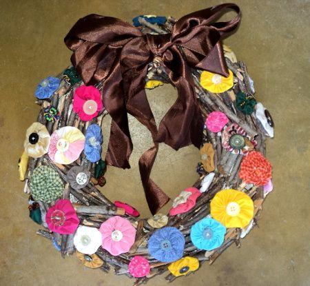 Passo-a-passo para fazer guirlandas artesanais e com sucatas. http://ludimidia.blogspot.com.br/2012/12/05-guirlandas-passo-passo-para-voce-se.html