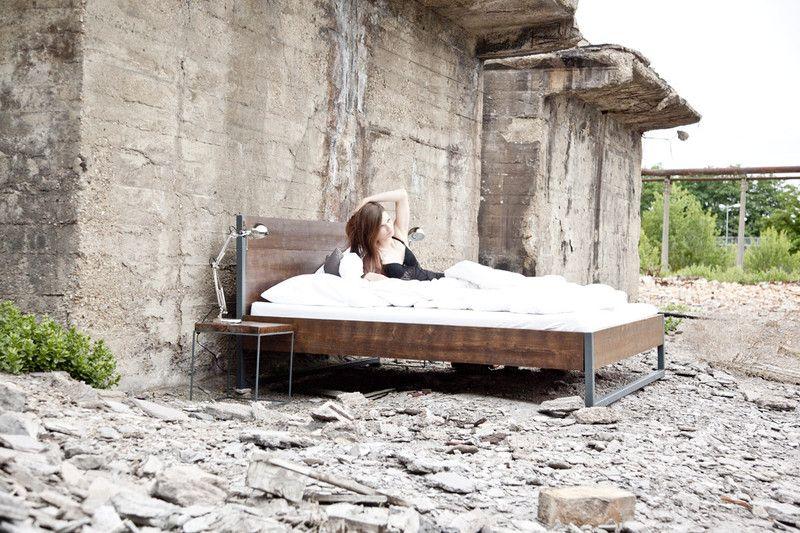 Bettkasten Holz ~ Loft vintage industrial bett 180x200 holz stahl von n51e12 auf