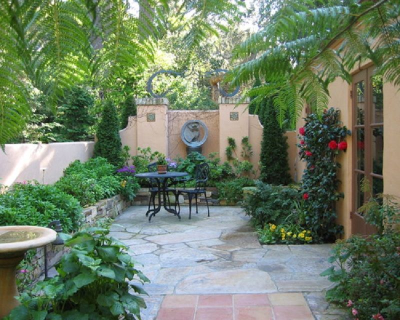 Beautiful courtyard garden patio layout design home for Front yard patio courtyard