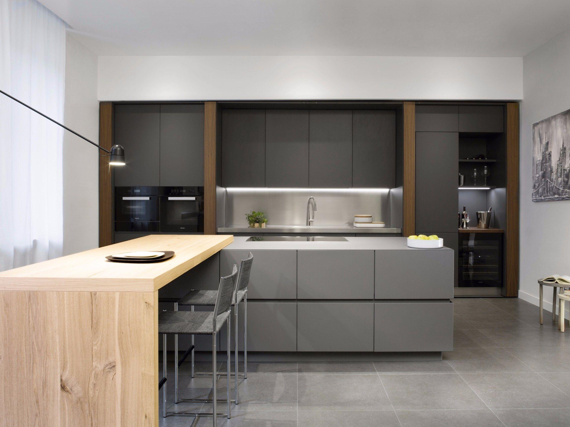 Küche Aus Walnuss Mit Kücheninsel Ohne Griffe