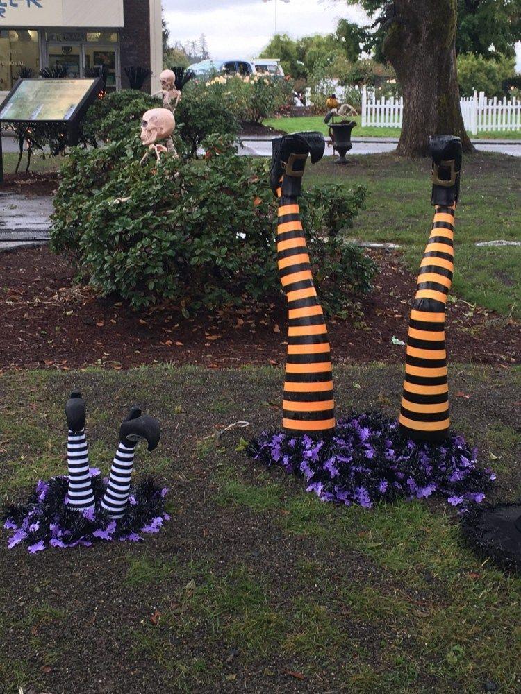 Halloweentown is St. Helens, Oregon! Halloween town