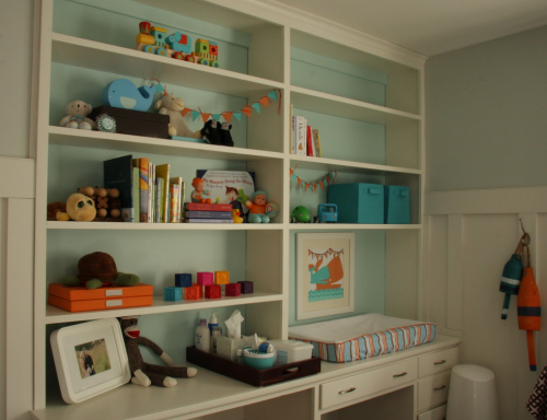 Bookshelf into changing table