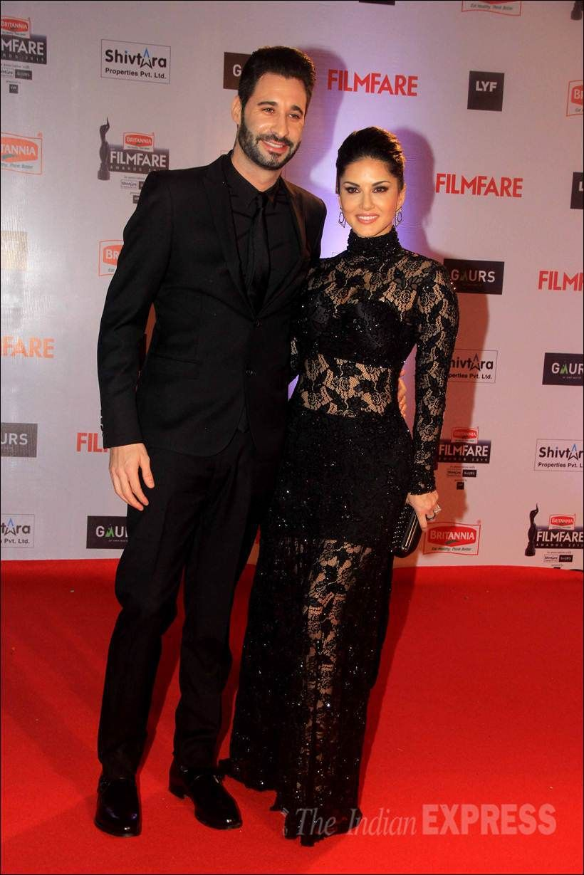 Sunny Leone With Husband Daniel Weber On The Red Carpet At Filmfare Awards Show Bollywood Fashion Style Beauty Hot Sexy Punjabi