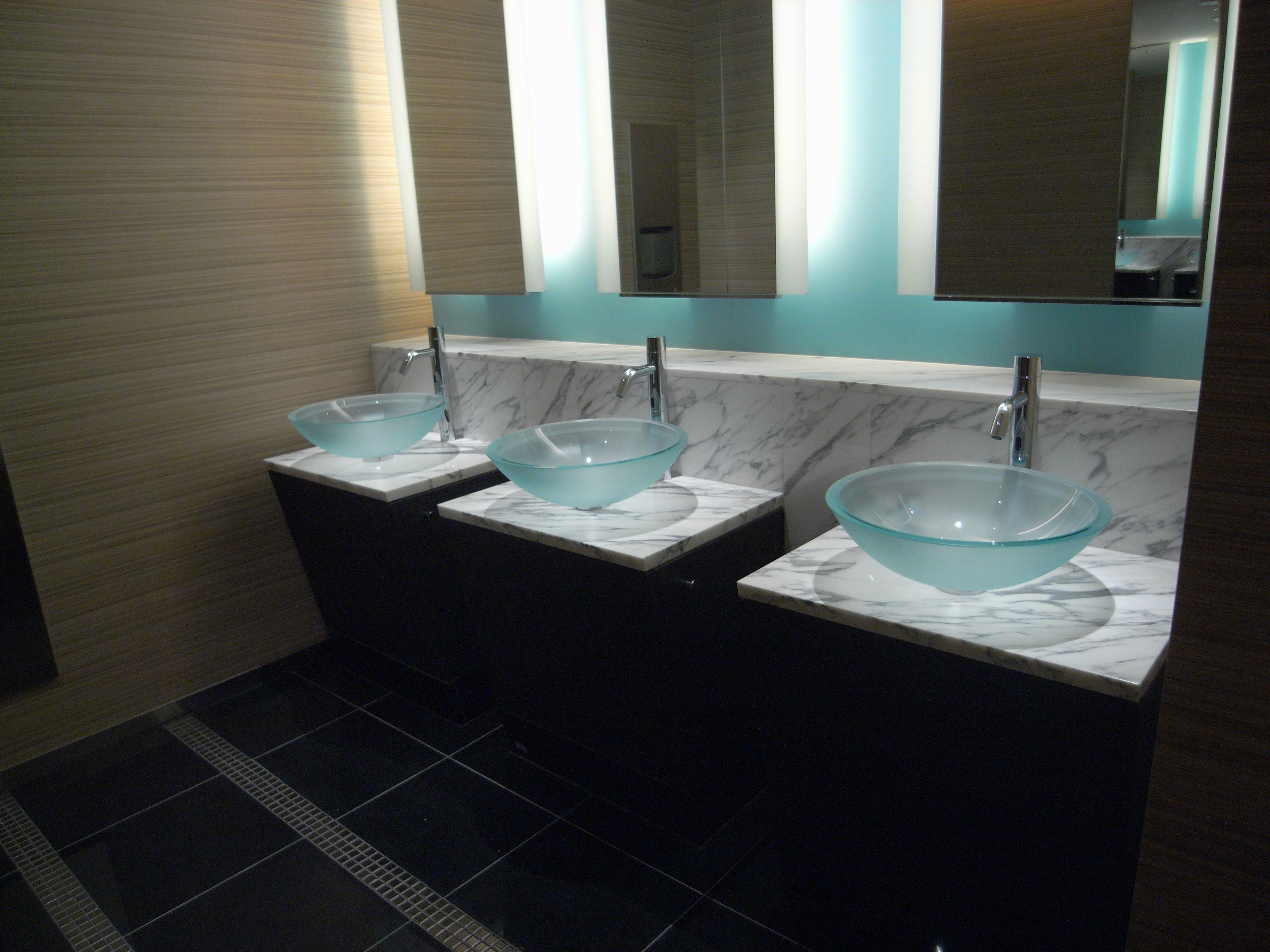 Extreme Plus touch free faucet at New Otani Hotel, Yokohama-Japan ...