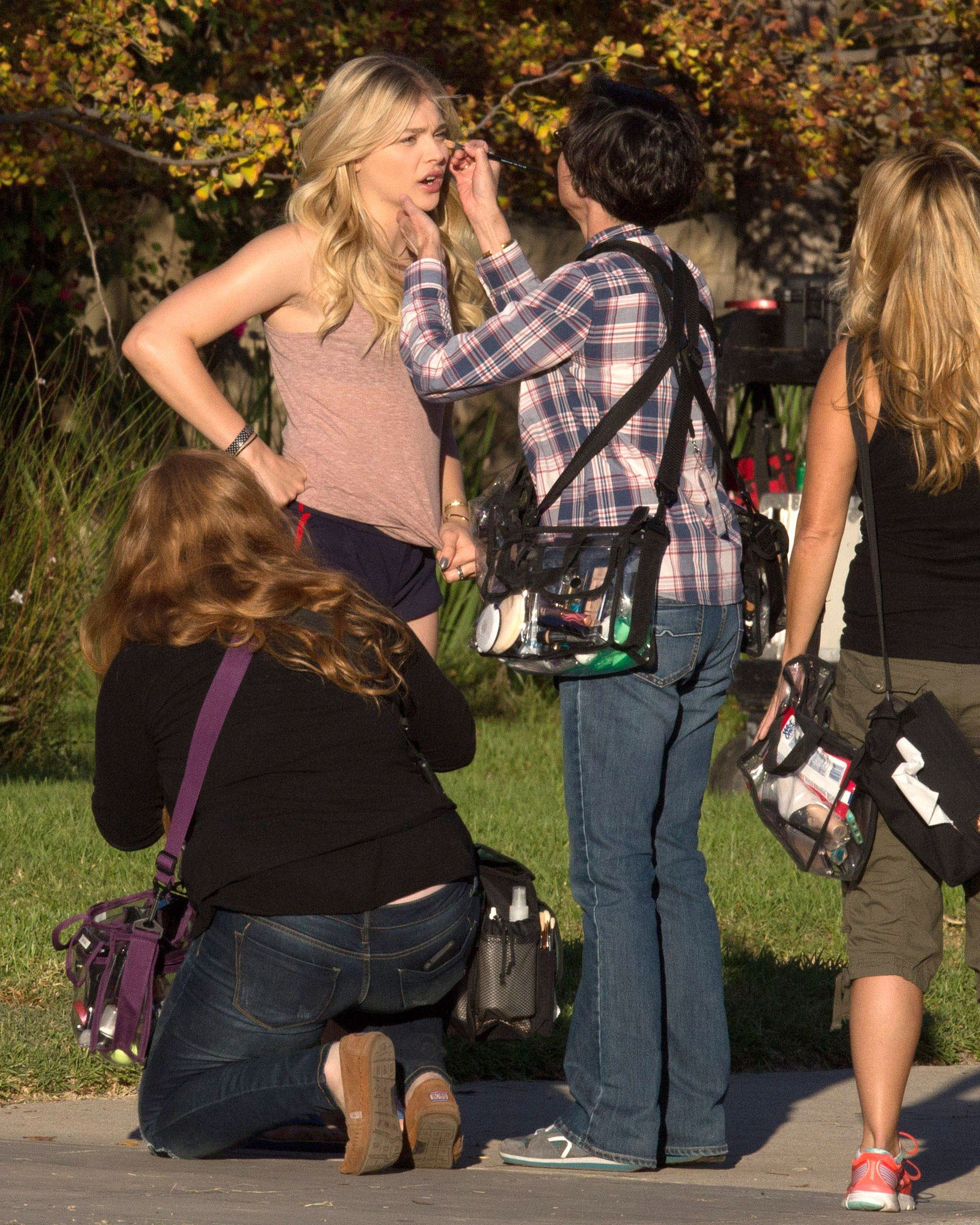 #ChloëGraceMoretz on the set of #Neighbors2 #BehindTheScenes #ontheset #makeup
