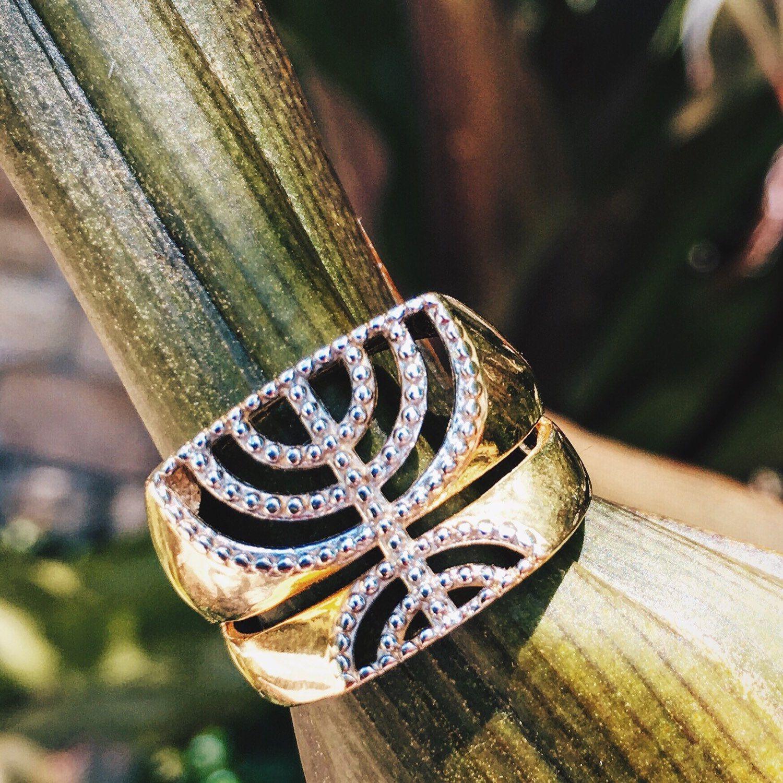 Menorah Hadassah fine Jewelry Judaica 18k Gold Layered Ring #menorah #judaica #jewishgirl #hadassahfinejewelry #faith #jewishstyle #israel #womanjewish #jewishring #18kgoldlayered #amulet #messianicjudaism