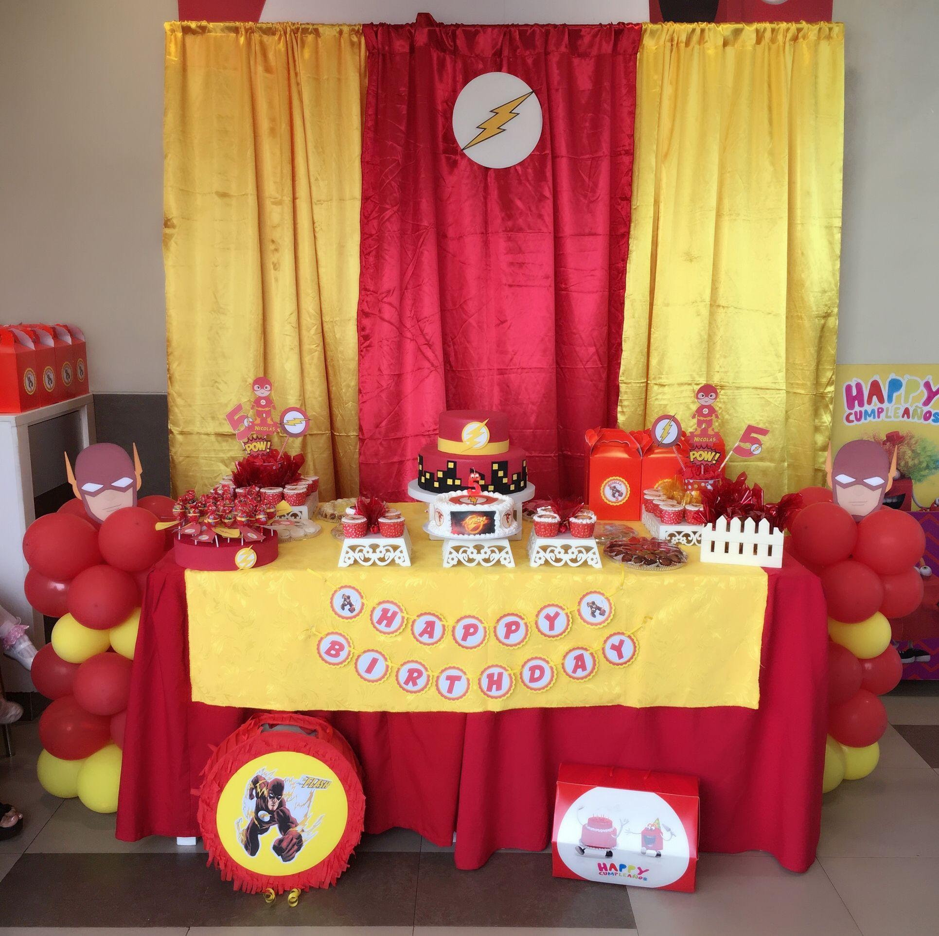 Mesa Principal Flash Superhero Birthday Party Birthday