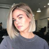 "Kate Gracie Hair ✨ on Instagram: ""Blunt bob 🔥🔥lived in blonde 🌟 . . . #behindthechair #bestofbalayage #livedinblonde #livedinhair #bluntbob #blondebob #maneaddicts…""   6951"