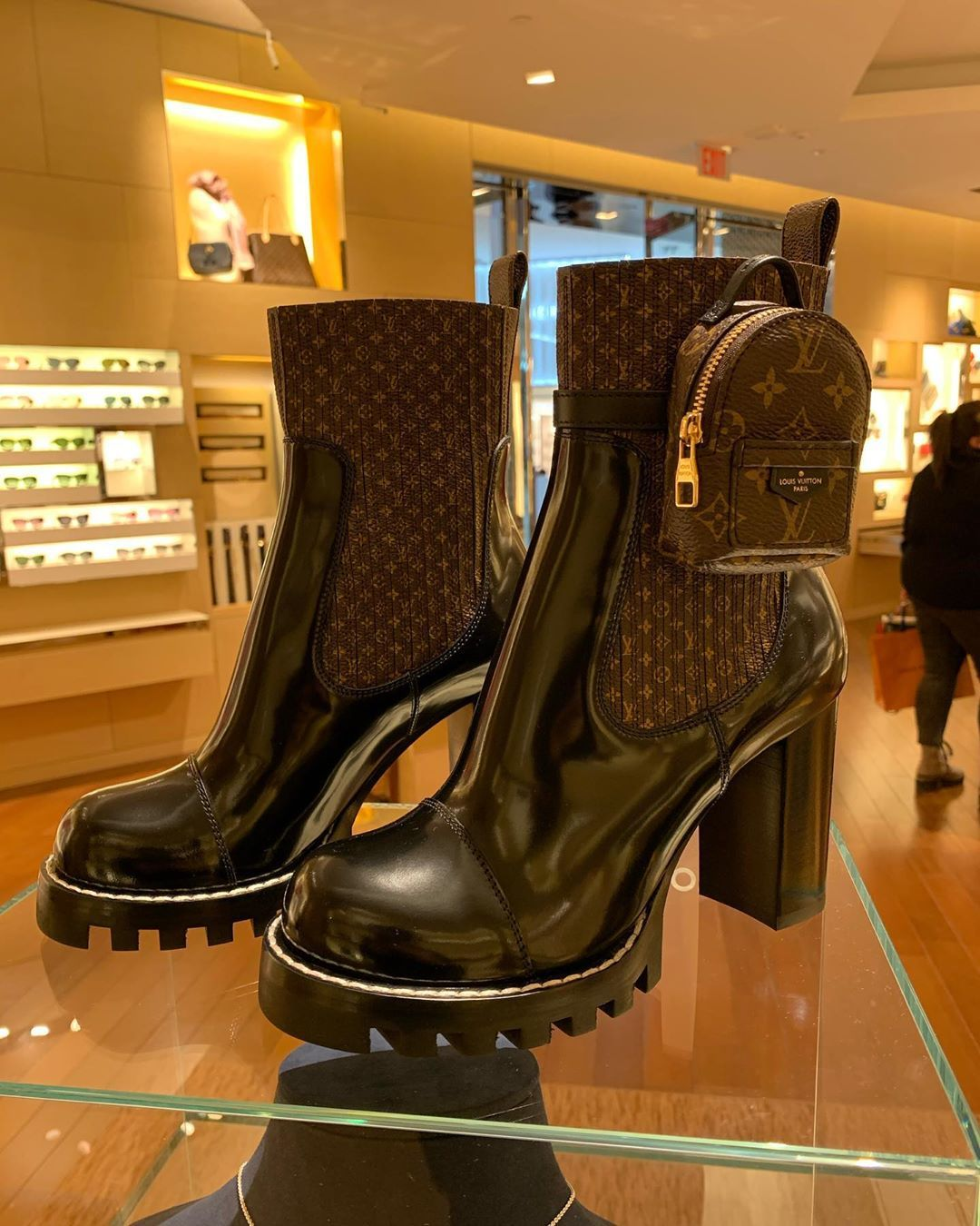yorkdale mall shoes
