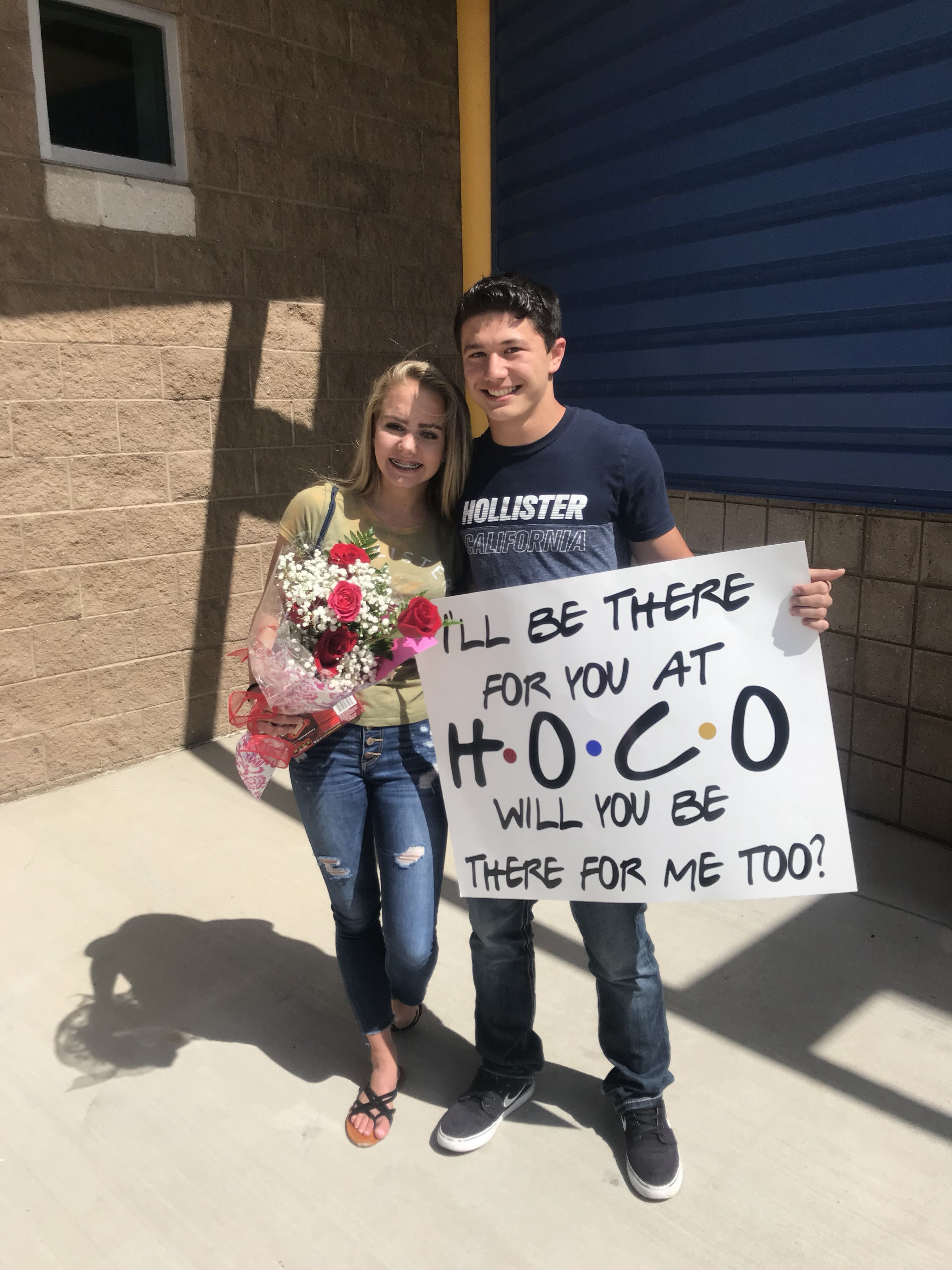 Friends TV homecoming proposal #singleprompictures #promproposal