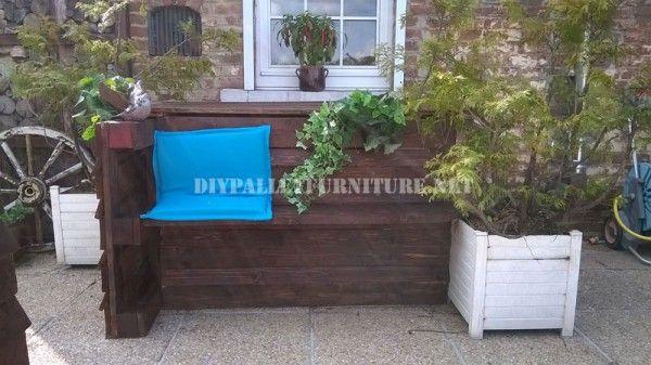 Mobili Recupero ~ Mobili da giardino set costruiti con pallet e un mazzo di recupero