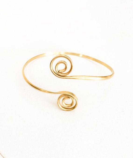 Gold arm cuff, Brass upper arm bracelet, Spiral arm cuff, armlet, Handmade arm bracelet, golden bicep bracelet, Boho style, delicate, gift