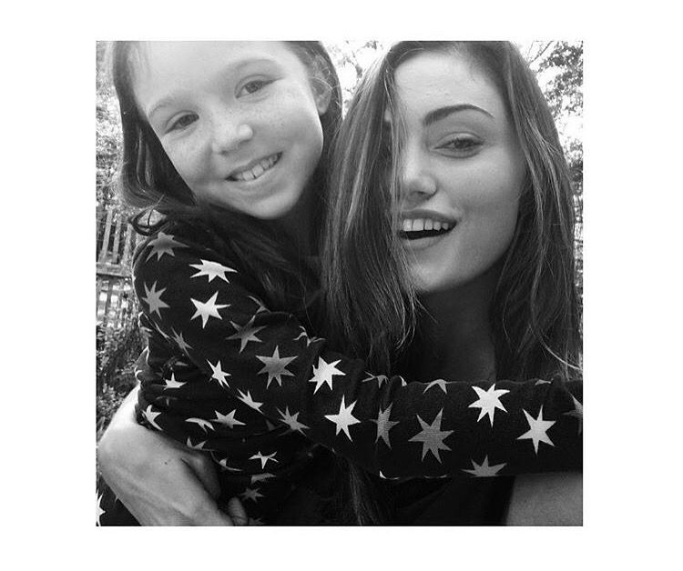 Phoebe with the girl who will be playing Hope