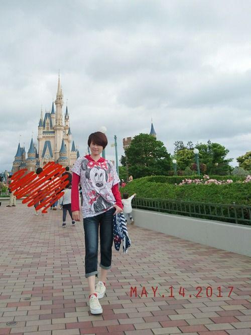 お友達とオソロのTシャツ。前に3人で香港ディズニーランドへ行ったときに買ったやつです❗ Tシャツは香