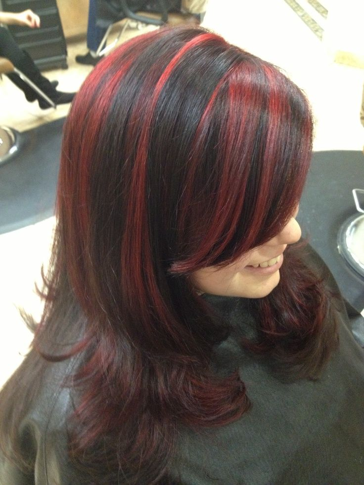 Pin By Eva Nagy On Hiustenvarjays Diy Highlights Hair Black Hair With Red Highlights Black Hair With Highlights