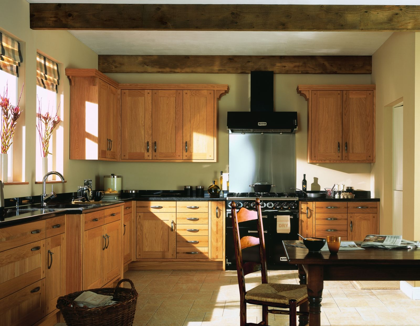 oak kitchen ideas -@janice reed here is an oak kitchen with your