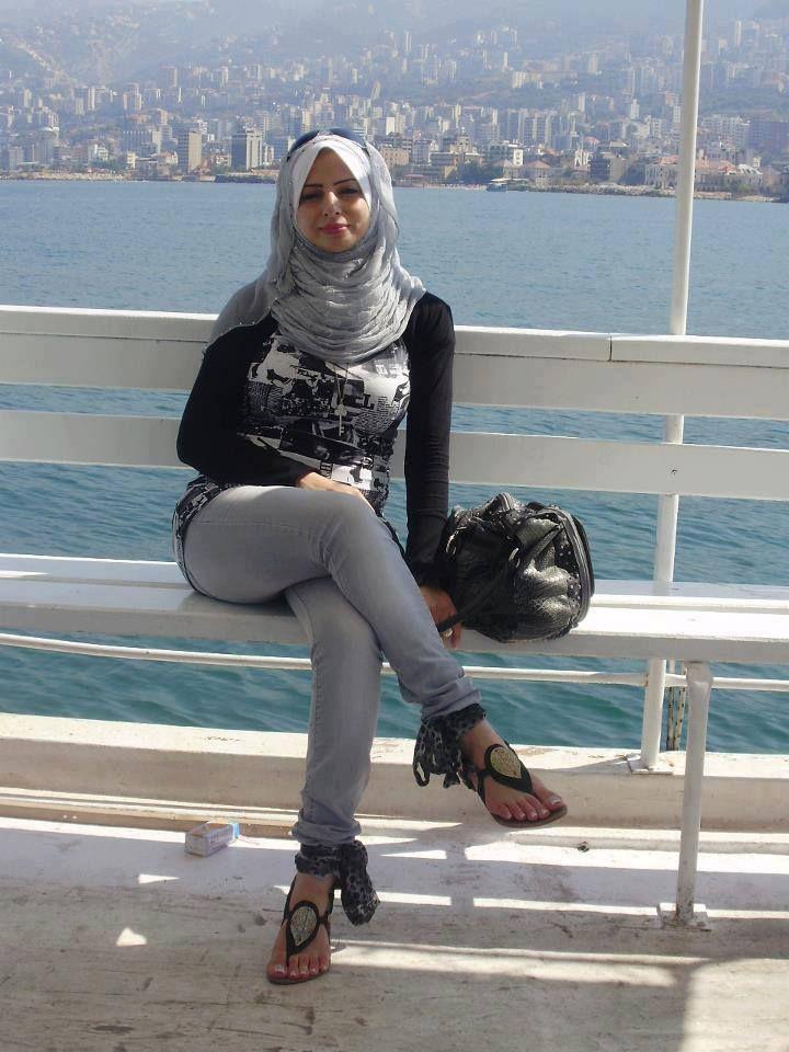 Sexy girl with hijab-1806