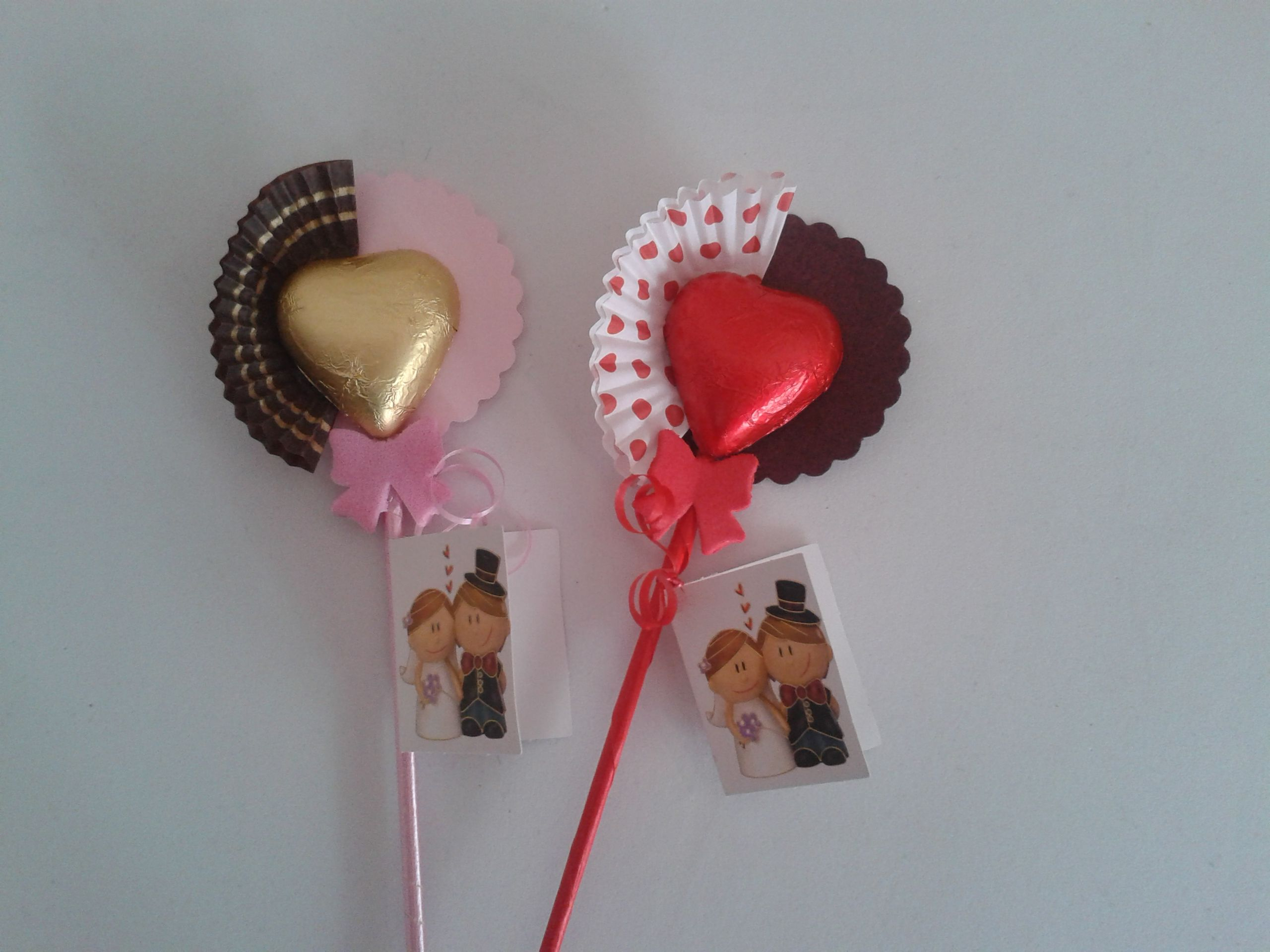 Brocheta Con Corazon De Chocolate Rojo O Dorado Ideal Para Regalar En Bodas Birthday Candles Candles Birthday