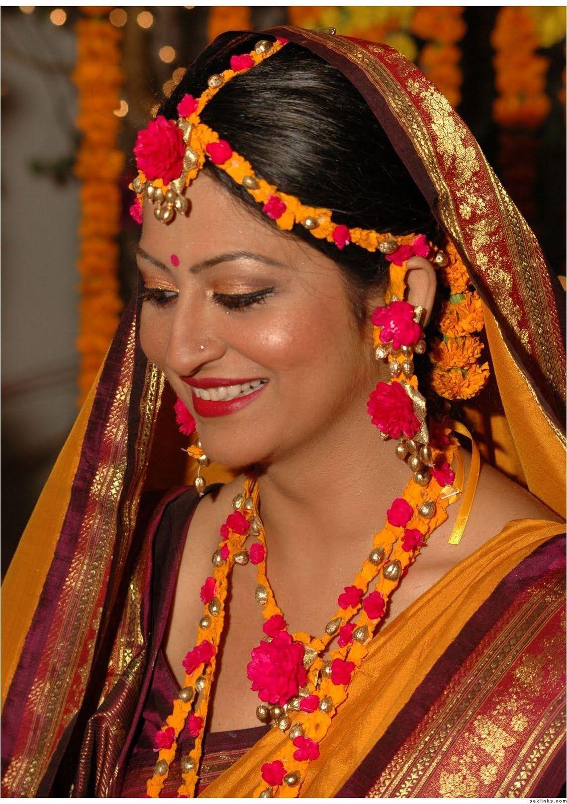 Kerala Style Carpenter Works And Designs September 2013: Bridal Hairstyle In Bangladesh