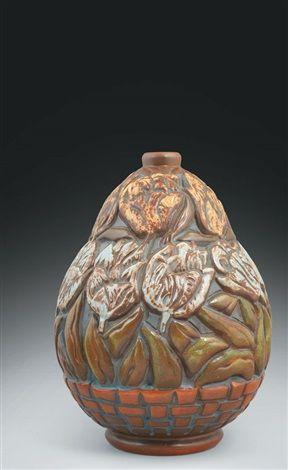 Vase (sculpted by Goor) par Mougin Frères