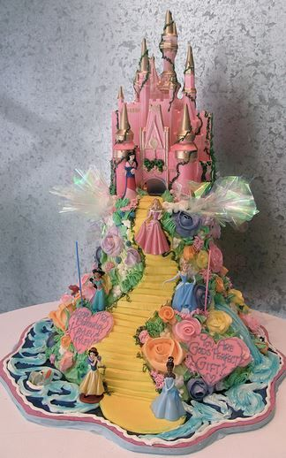 I think I'll order this cake for Grace's 3rd birthday! After all its perfectly reasonable that a 3 year old's birthday cake should cost more than a wedding cake.