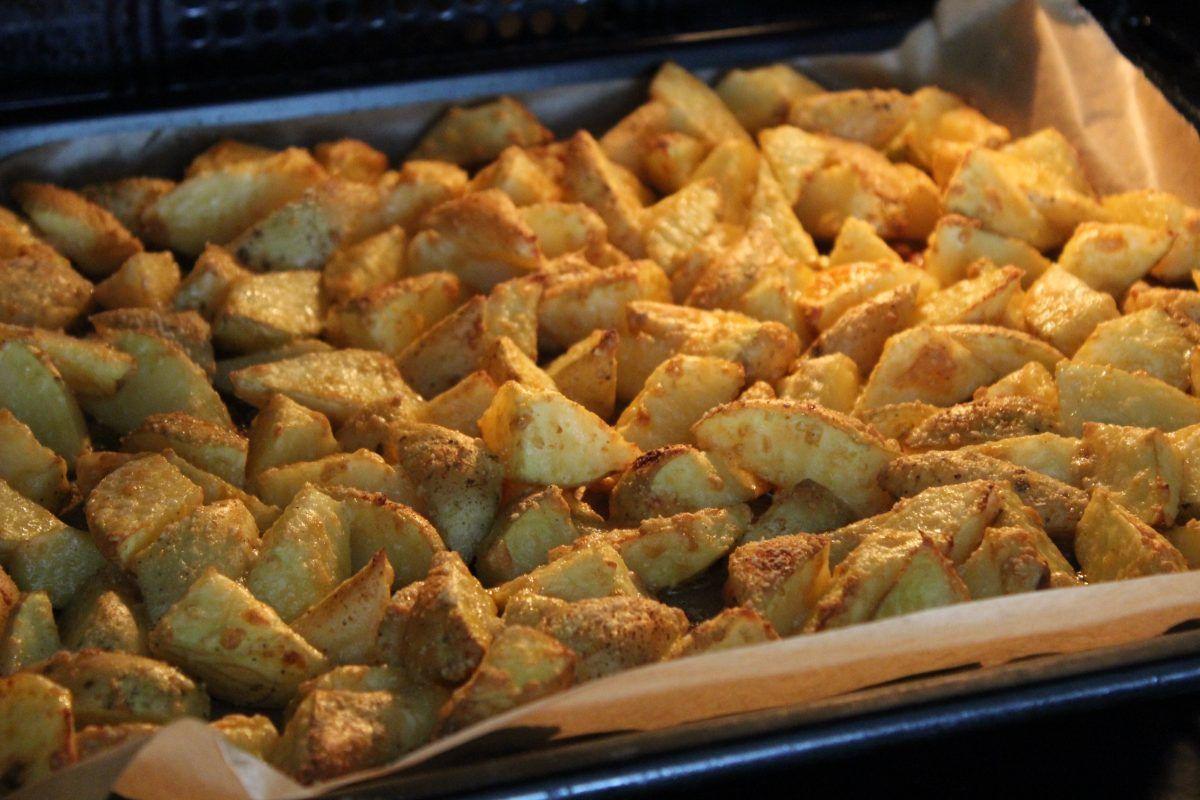 Parmesankartoffeln aus dem Backofen – Die perfekte Grillbeilage #kartoffeleckenbackofen