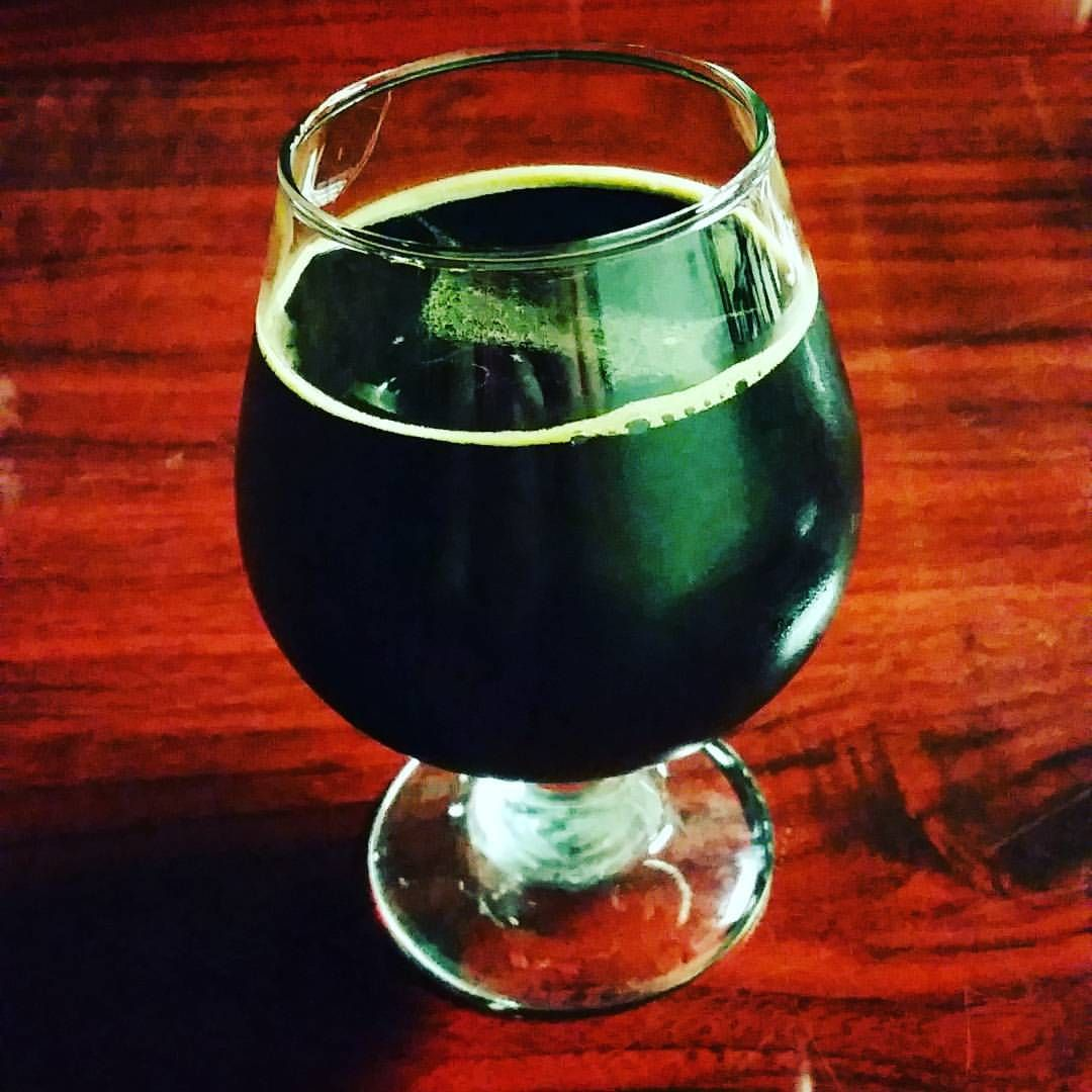 King Of Terrors Imperial Stout Cocoa Vanilla Coffee 15 Abv Copperhead Brewery Brewery Local Brewery Hurricane Glass