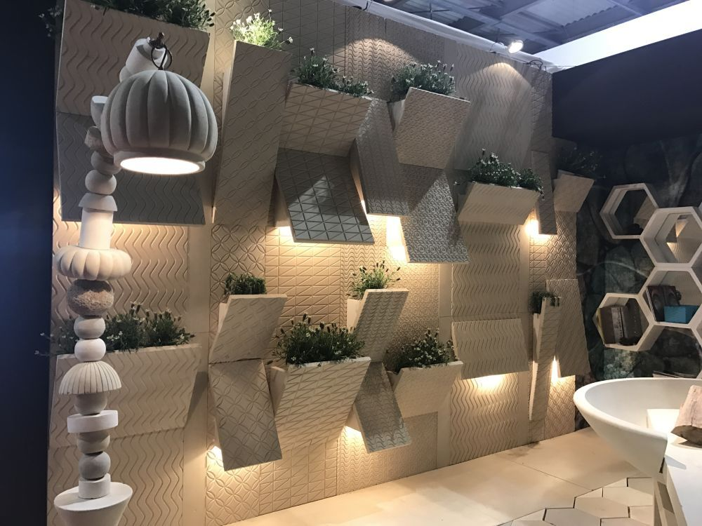 Built In Wall Planters And Ligthing Cool Walls Modern House Cool Lighting